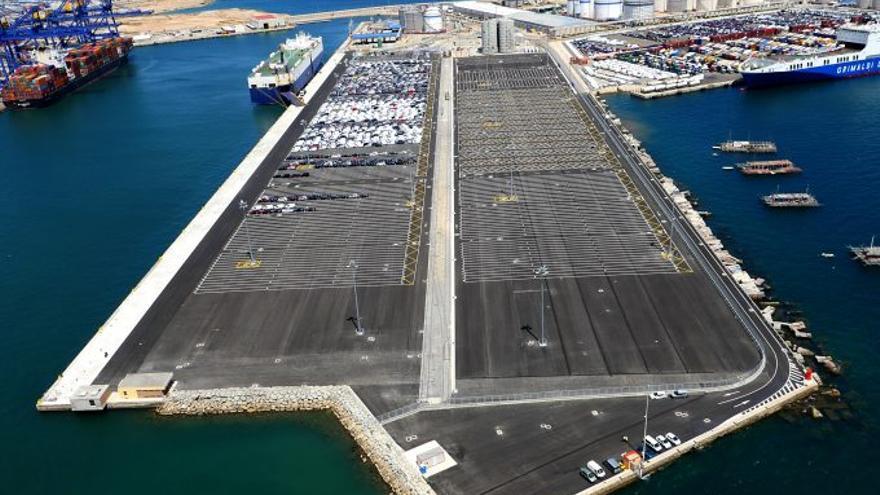 La esplanada del muelle norte del Puerto de Valencia después de unas obras finalizadas en 2018