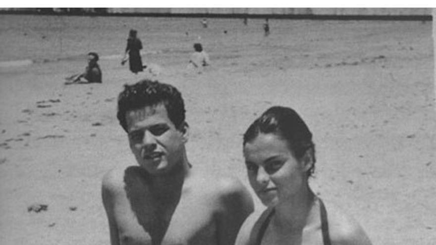 Tony Gallardo junto a su esposa Mela Campos. (Cedida a CA).