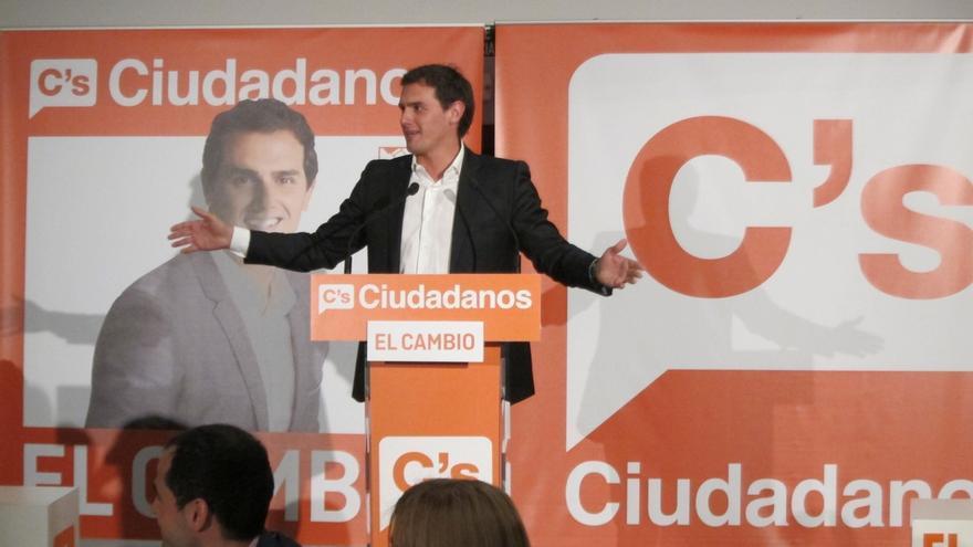 """Rivera avisa de que Ciudadanos no es un invento de tres días y que por España se extenderá """"una ola de ciudadanía"""""""