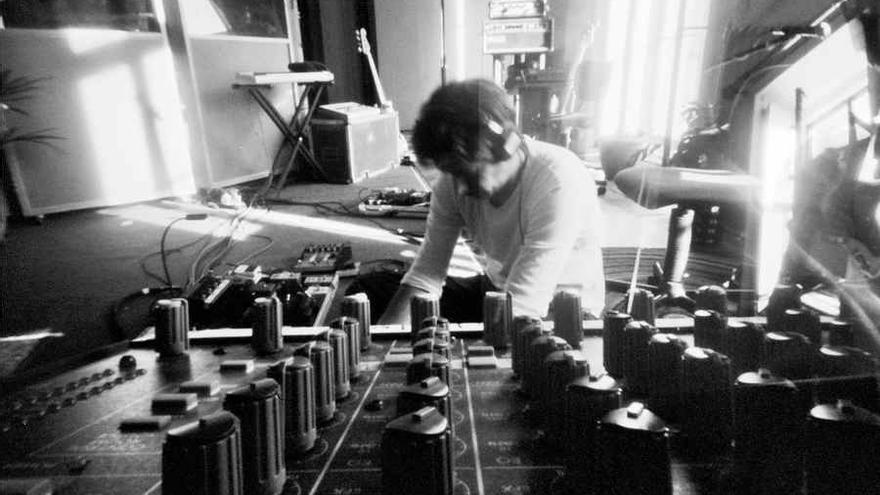 Radiohead desde su estudio a través de la retransmisión en radiohead.tv.