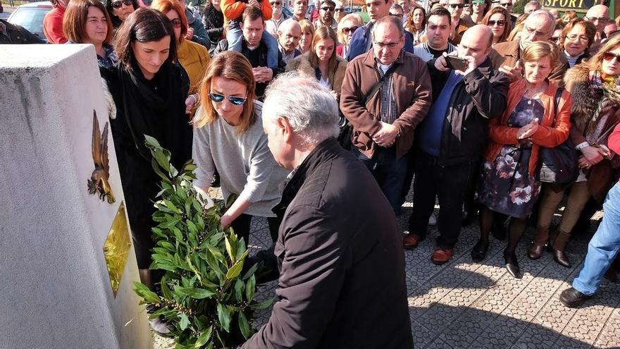 Santander rinde homenaje a todas las víctimas del terrorismo en el 25 aniversario del atentado de la Albericia