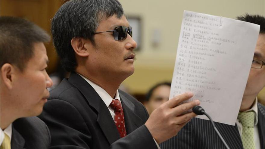 El hermano de Chen Guangcheng denuncia haber sido golpeado en un ataque planeado