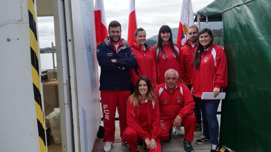 Equipo de jueces árbitros de la Federación Cántabra de Remo. | VÍCTOR CANAL BEDIA
