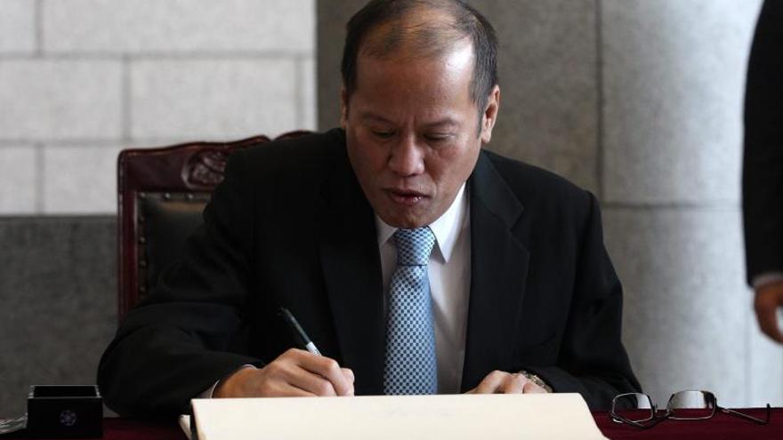El Gobierno de Filipinas y los rebeldes musulmanes logran un pacto histórico para la paz en el país