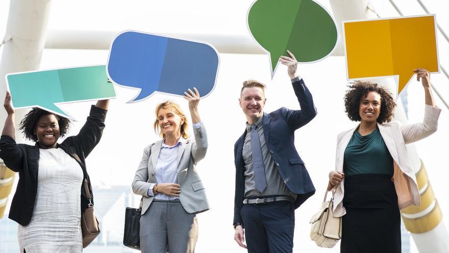 Los chats corporativos son muy útiles, pero los trabajadores pueden sentir mucho las distracciones. (Imagen: Pexels)