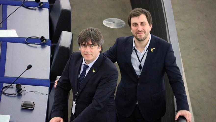 Puigdemont y Comín, en su escaño del Europarlamento