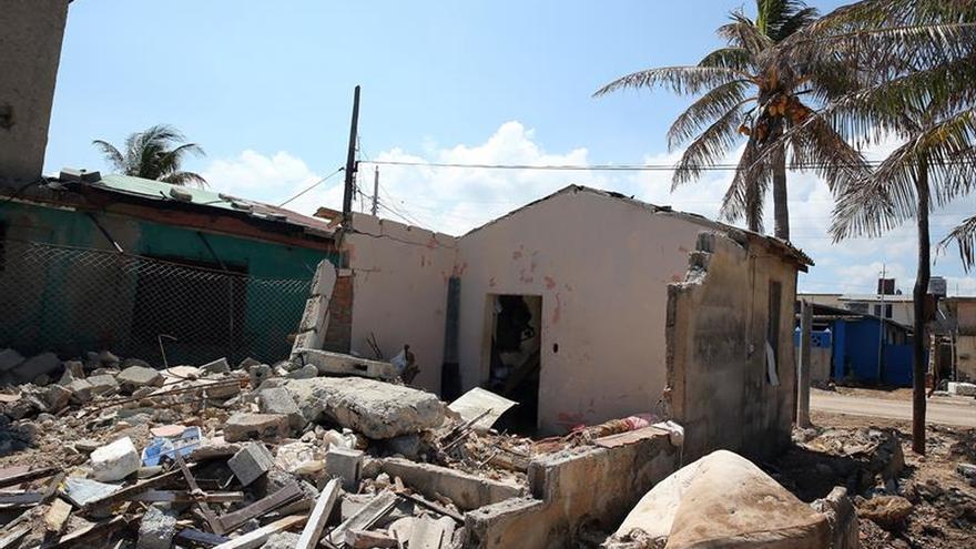Cuba recibe un millón de dólares de China para paliar los daños tras el huracán Irma