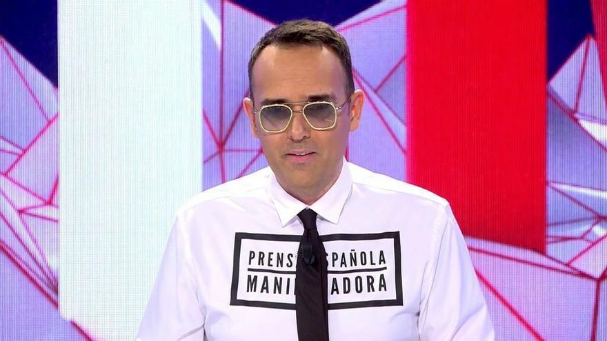 Risto vuelve a 'Todo es mentira' luciendo una camiseta con un mensaje irónico