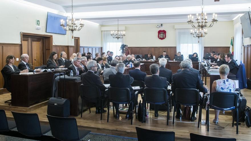 """Defensas protestan al tribunal de los ERE por la intervención """"de parte acusatoria"""" de la IGAE"""