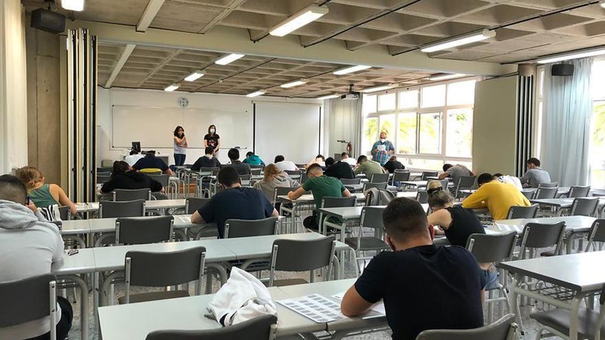 La ULPGC permite a las facultades realizar exámenes presenciales pese al nivel de alerta tres por la pandemia