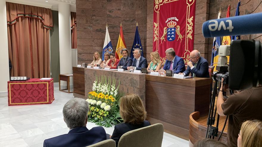 Acto de Reconocimiento a las Instituciones y Entidades que colaboraron en la extinción de los incendios acaecidos en Gran Canaria
