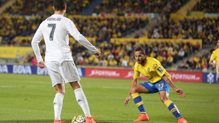 Imágenes del partido entre la UD Las Palmas y el Real Madrid en el Estadio de Gran Canaria. (Alejandro Ramos).