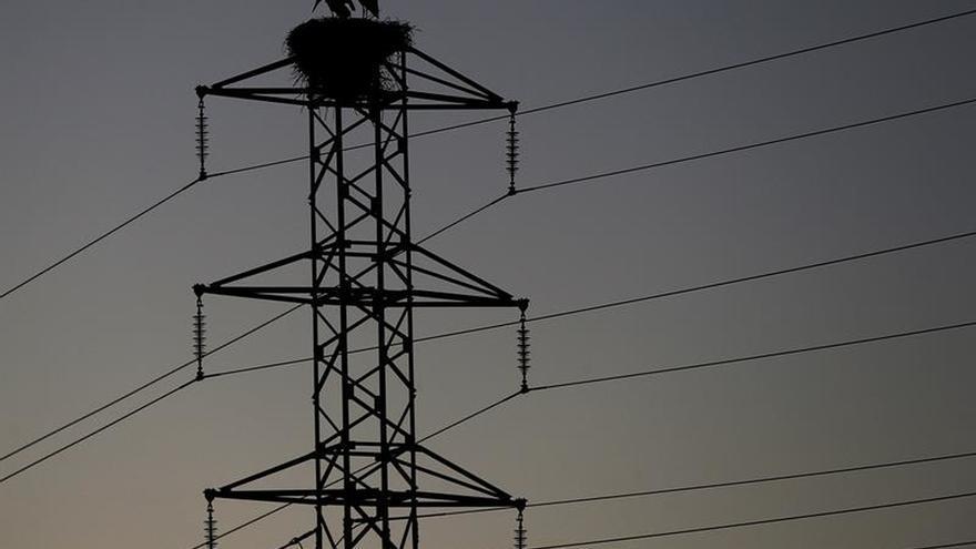 El precio de la electricidad sube mañana un 4 % en el mercado mayorista