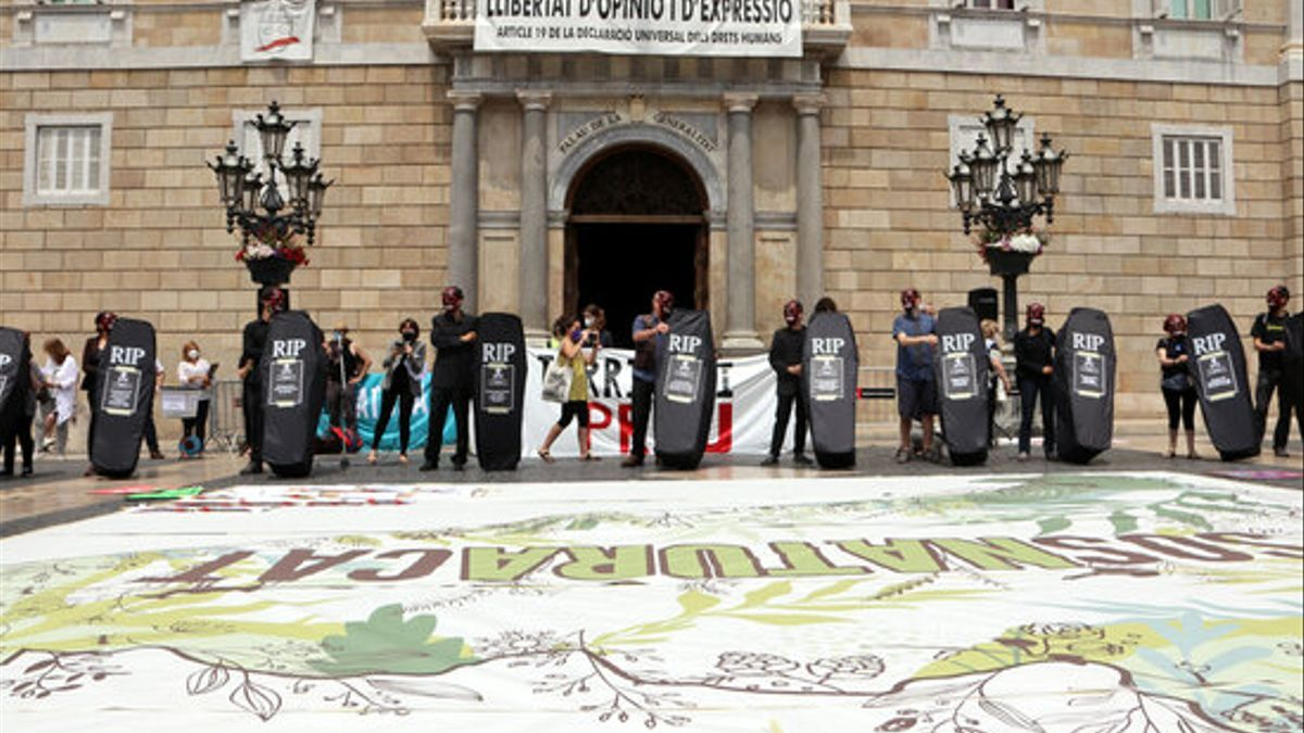 Entidades protestan contra algunos de los macroproyectos de renovables que se están debatiendo.