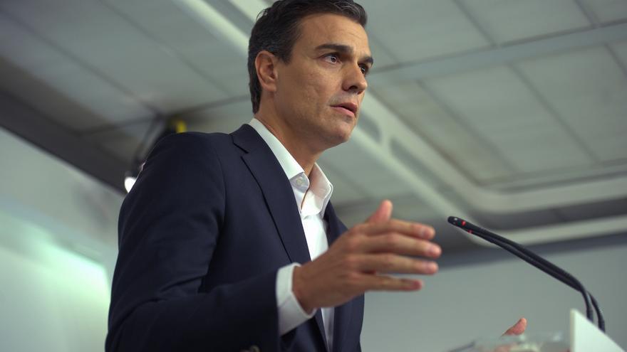 Pedro Sánchez reaparece mañana acompañado por algunos diputados críticos, Pérez Tapias y el alcalde de Jun