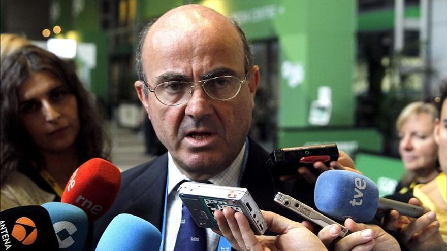 De Guindos dice que el temor a una tercera recesión en Europa está atenuado