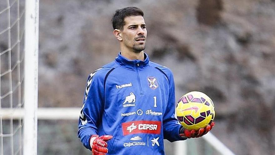 El guardamenta del CD Tenerife Dani Hernández./ Marca.com