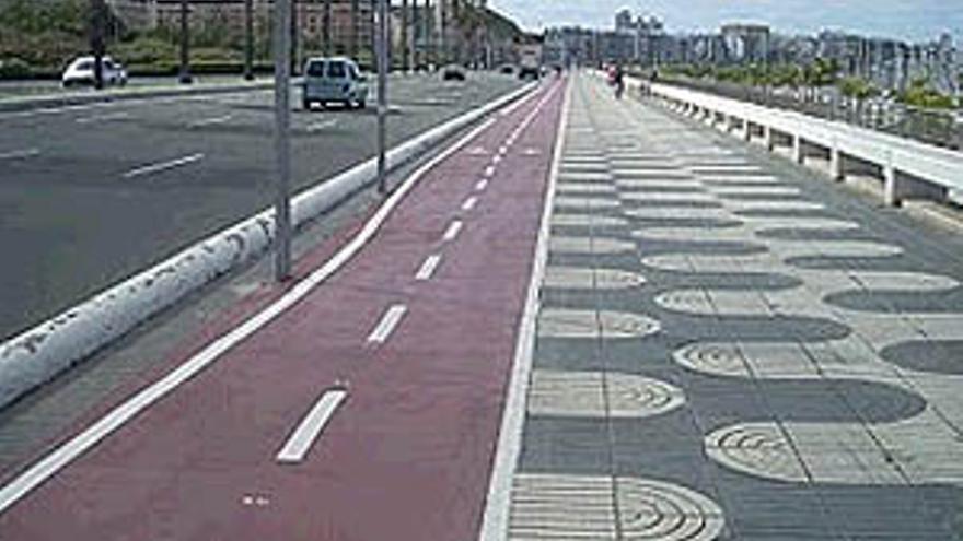 Carril-bici en la Avenida Marítima.