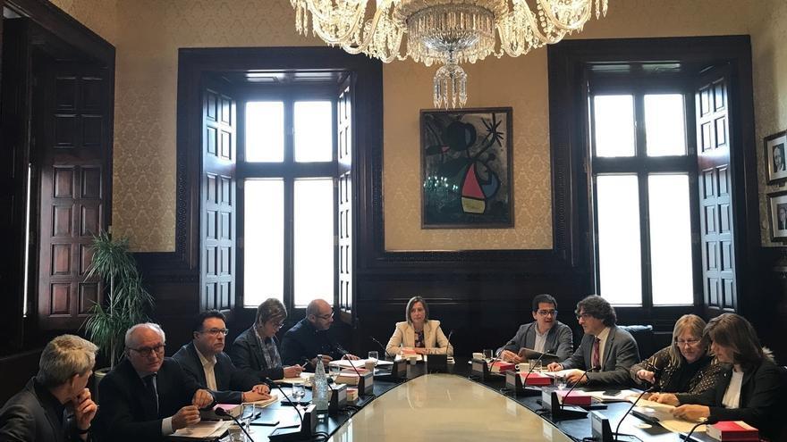 La Mesa del Parlament aplaza su reunión al jueves para que Forcadell recoja un premio el martes en Bruselas