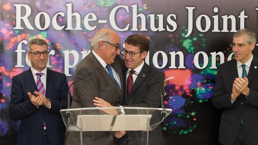 Feijóo, en la firma de un acuerdo de la farmacéutica Roche con el Hospital Clínico de Santiago