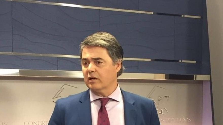 """El PP exige que Iglesias y Errejón dejen sus escaños por """"acusar en falso"""" y """"a sabiendas"""" a Cifuentes"""