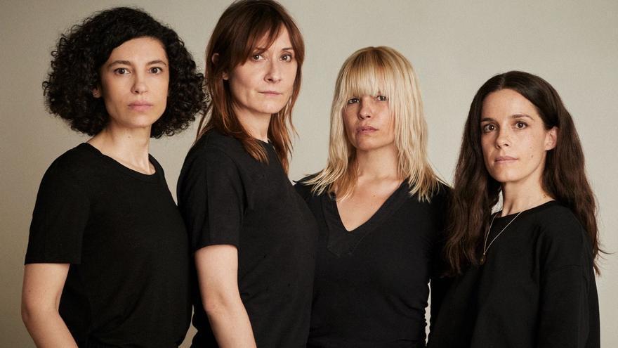 Cuatro de las actrices de 'Nos miran'. De izquierda a derecha: Irene Visedo, Nathalie Poza, Lluvia Rojo y Nuria Gago