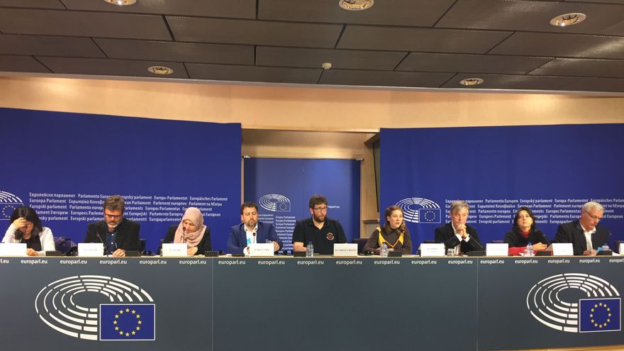 El alcalde de Valencia, Joan Ribó, la eurodiputada de EUPV, Marina Albiol, y la diputada provincial Rosa Pérez (EUPV) han participado en el foro Solidacities