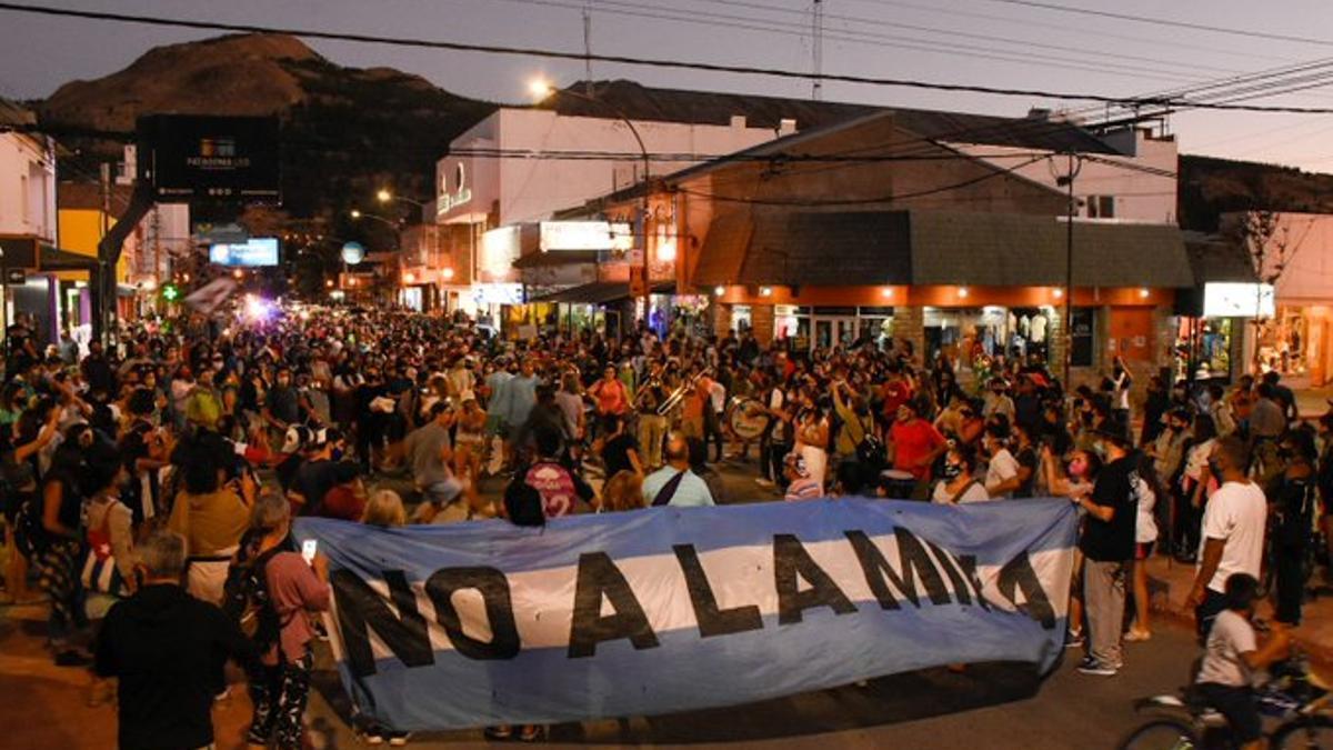 Se suspendió la sesión para aprobar la megaminería en Chubut por el repudio social