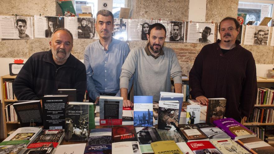 Reunión del colectivo Desmemoriados en La Vorágine. | JOAQUÍN GÓMEZ SASTRE