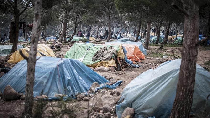 Asentamiento de inmigrantes subsaharianos en la periferia de la ciudad magrebí de Oujda, fronteriza con Argelia //FOTO: Jesús Blasco de Avellaneda