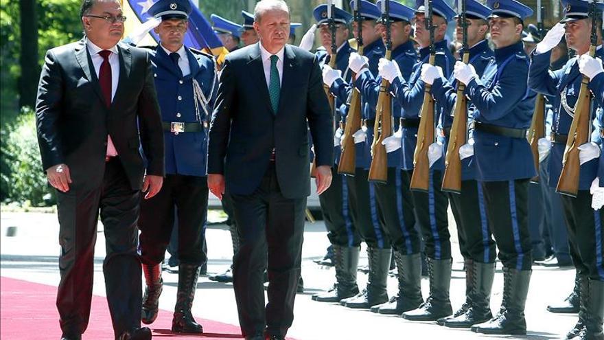 Turquía repatrió a 141 bosnios que iban a combatir en Siria, según Erdogan
