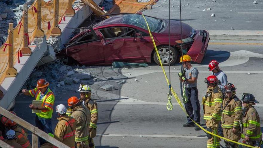 Acuerdo de 42 millones de dólares en el caso de un puente peatonal de Miami que se desplomó