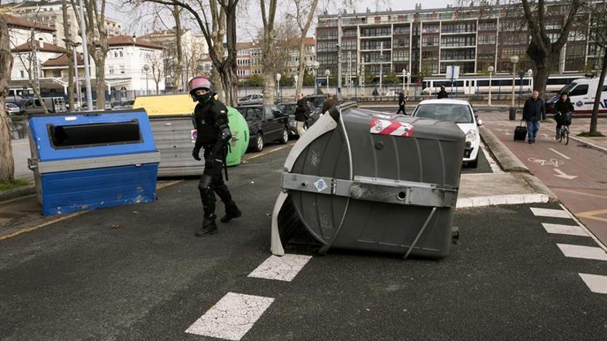 Graves incidentes y seis detenidos durante la huelga de estudiantes en Vitoria