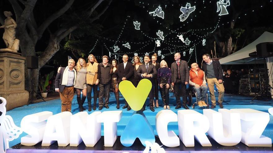 Foto de familia del acto institucional celebrado este viernes en la capital tinerfeña