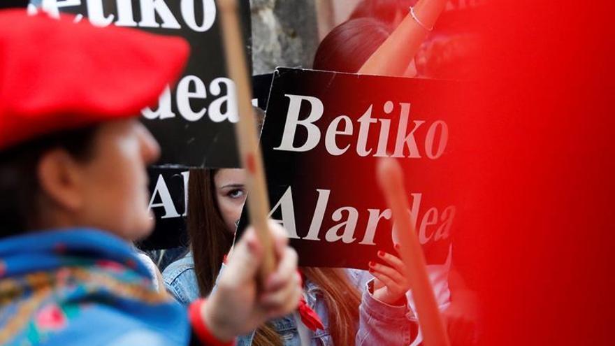 Tensión en Hondarribia por el desfile de la compañía mixta en el Alarde