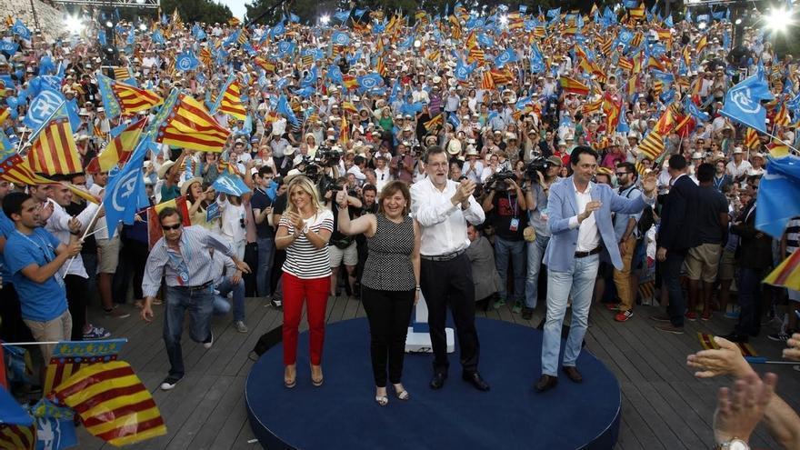"""Rajoy cree que """"hay que andar con mucho cuidado al convocar referéndums"""" y llama a la tranquilidad"""