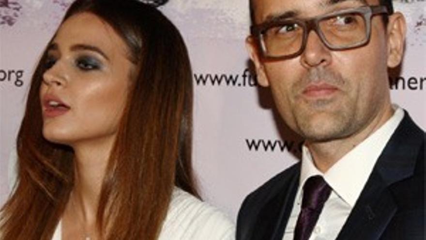 Risto Mejide posa por primera vez ante los medios con su prometida Laura Escanes