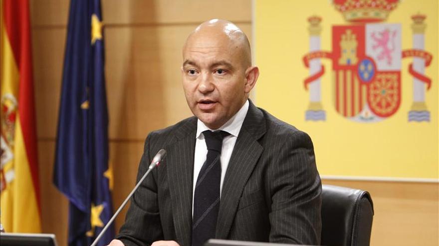 El Gobierno tramitará la ley de Cámaras de Comercio tras aplazar la Lomce