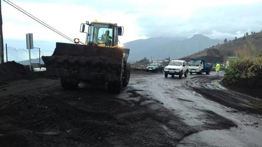 El Cabildo ha tenido que limpiar varias vías. Foto: JORGE GONZÁLEZ.