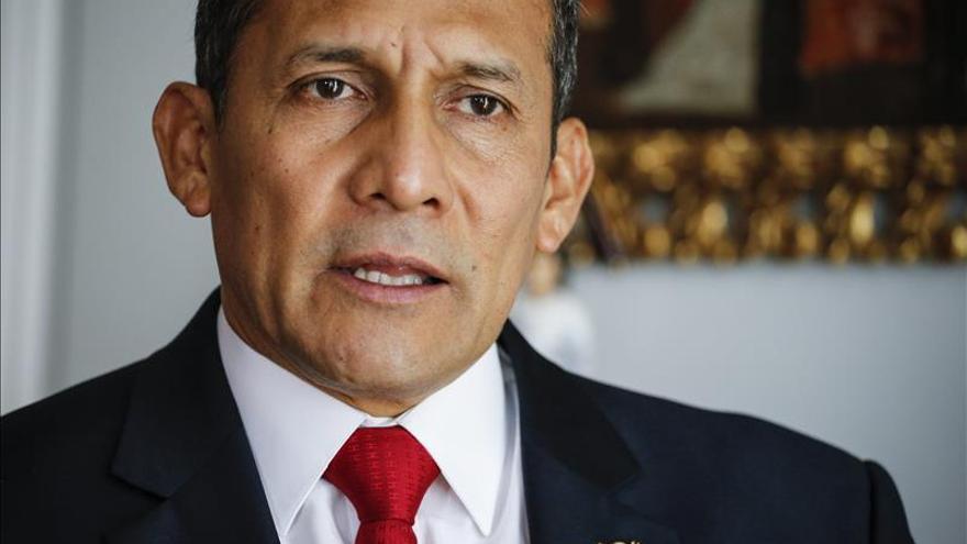 """Humala rechaza """"enérgicamente"""" la violencia desatada en los atentados de París"""