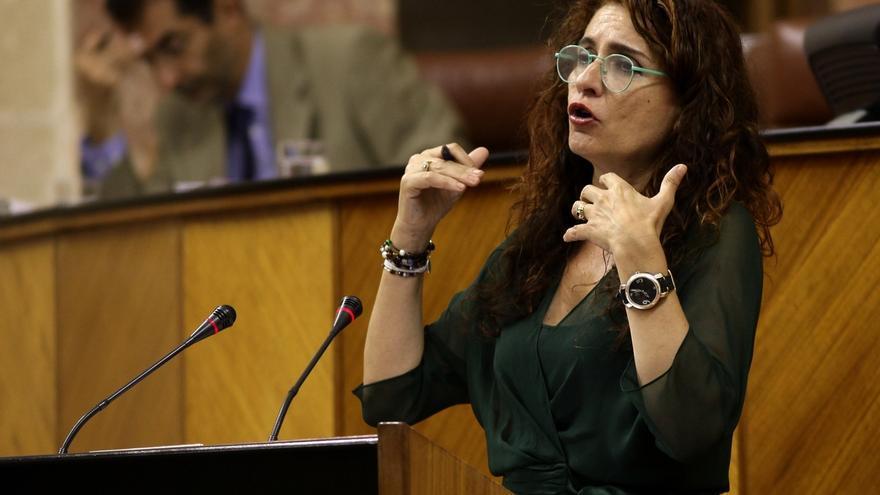"""PP-A acusa a la Junta de """"contar cuentos"""" con sucesiones y Montero le reprocha que intente """"desgastar al gobierno"""""""
