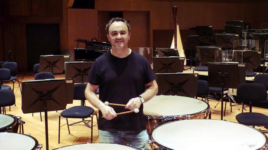 Un español logra estrenar en Montecarlo la obra de Glass para 2 timbaleros