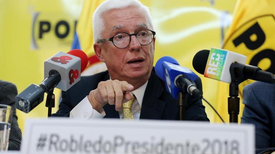 El senador de izquierda Robledo anuncia su candidatura a la presidencia de Colombia