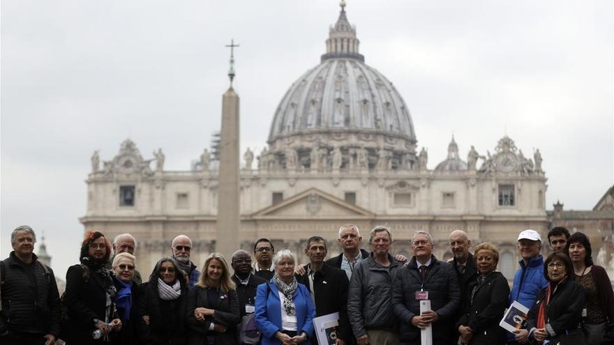 Las víctimas de la pederastia clerical, hace un año, en el Vaticano