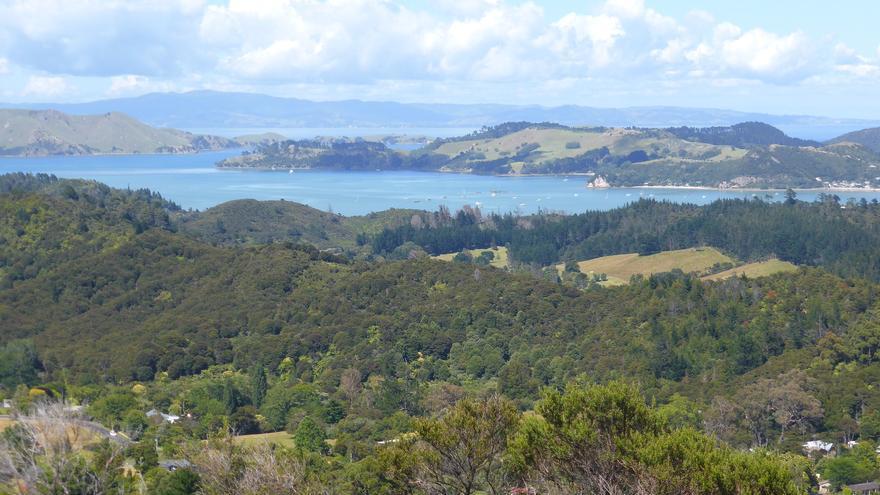 Visas desde Eyeful Tower. En Coromandel, la montaña se funde con el mar en paisajes de infarto. Stephen Colebourne