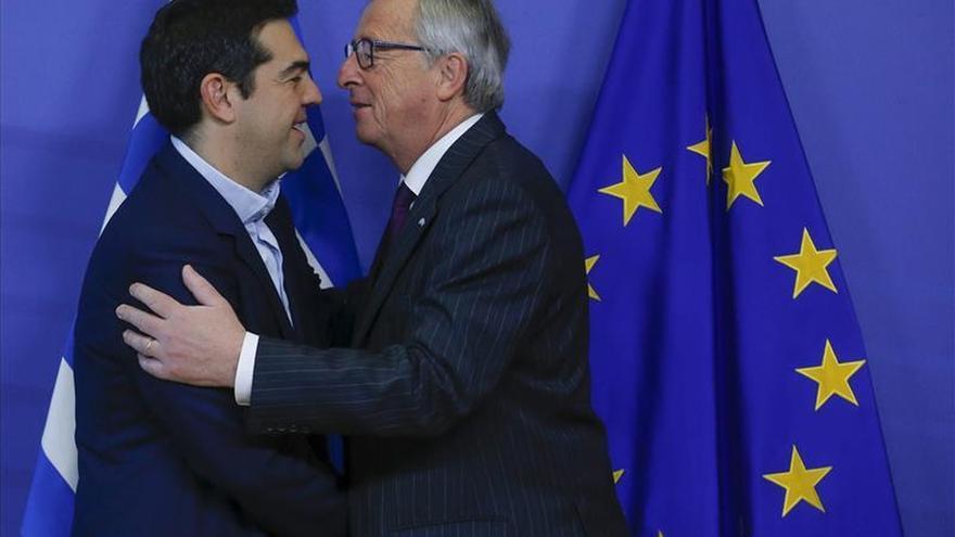 Juncker y Tsipras comienzan su reunión en Bruselas