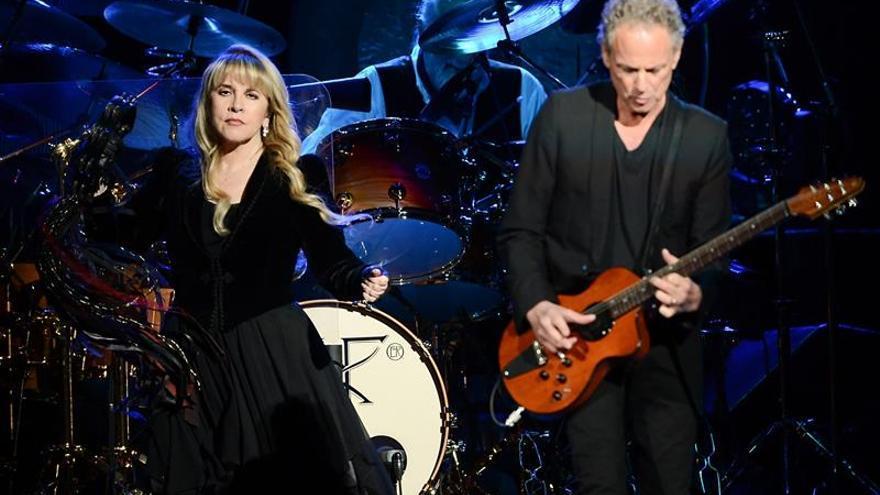 Lindsey Buckingham, despedido de Fleetwood Mac, demanda a sus excompañeros