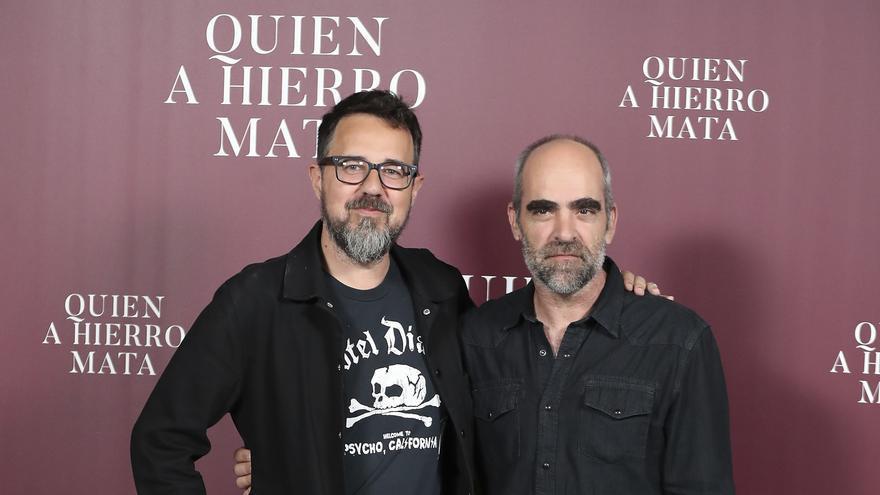 Paco Plaza y Luis Tosar en la presentación de la película 'Quien a hierro mata'