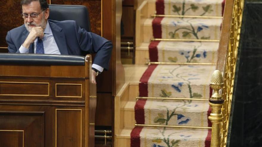 """Rajoy cree que Cifuentes """"dimitió bien"""" pero alaba su gestión en Madrid"""