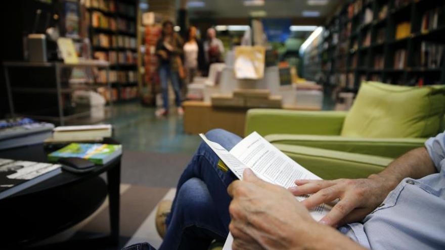 Crece el número de lectores de libros, aunque casi el 40 % lee poco o nada